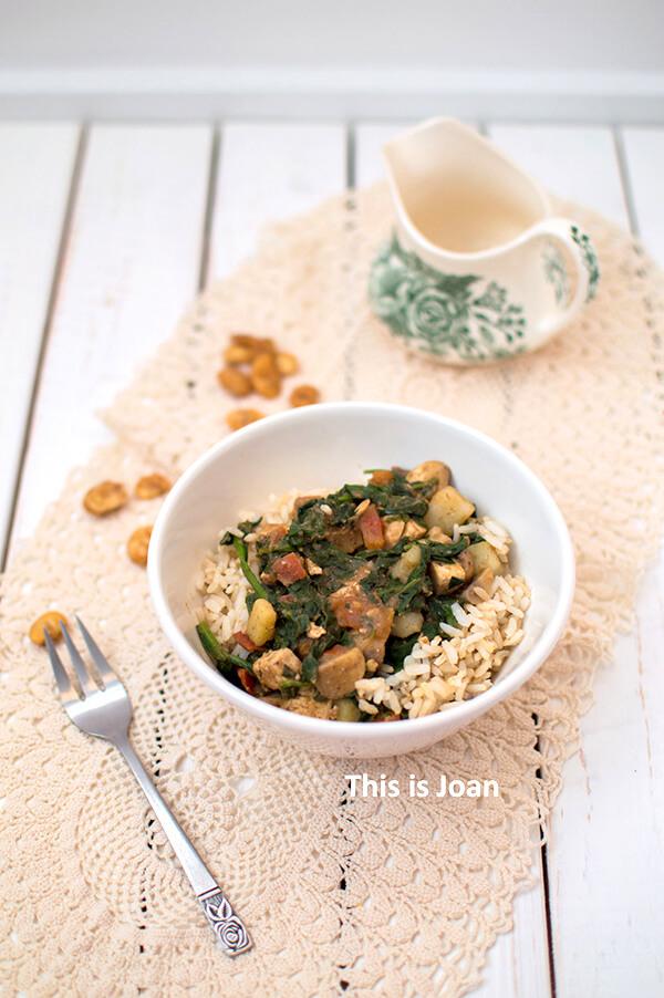 Vegan saag paneer met tempeh en rijst