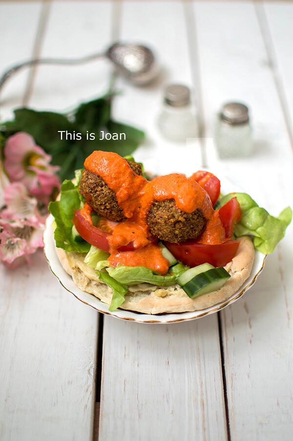 Falafel recept met paprikasaus