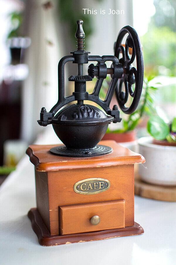 Antieke koffiemolen hout